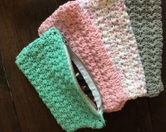 Crocheted Pencil Case // Makeup pouch // Clutch