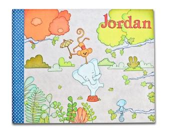 Album de naissance original, livre de naissance personnalisé, journal de bébé personnalisé, cadeau bébé personnalisé, illustration cirque