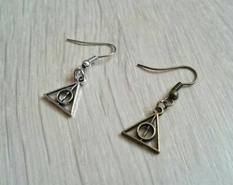 Deathly Hallows earrings from Harry Potter