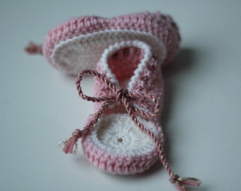 First baby booties for newborn