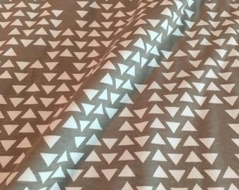 Feathers, Arrows and Triangles by Riley Blake - Triangles Grey - Cotton/Spandex Knit