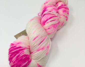 How You Doin' Indie Dyed Yarn on Merino cashmere Nylon MCN white speckled pink