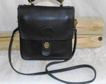 FREE SHIPPING! Authentic Vintage Black Leather COACH Handbag Shoulderbag Purse