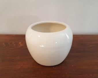 USA Pottery Round Planter