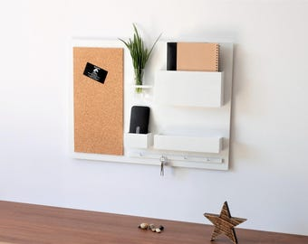 "Organizer - 24,8 "" x 17,9 "", wooden, on the wall, hanger for keys, mail, newspapers, pin board, white,"