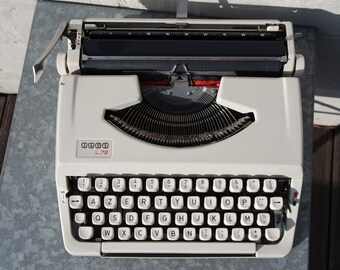 "Vintage 60' beige portable Japy ""L72"" manual typewriter"