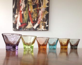 Mid Century shot glasses - harlequin coloured atomic shape glass set