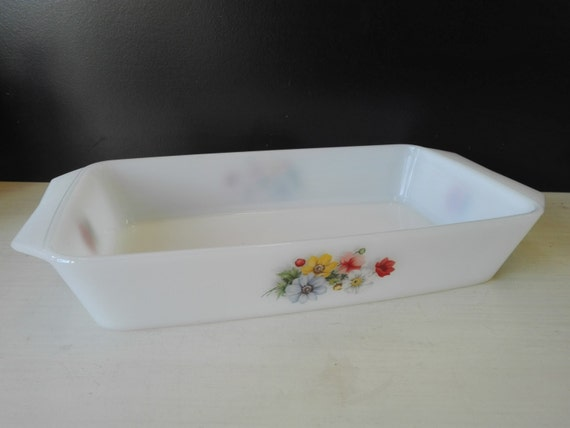 Arcopal oven dish, flowers