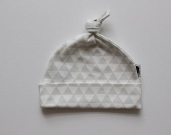 Organic Baby Beanie / Baby Hat / Newborn Beanie / Topknot Beanie - Grey and White Triangle - FREE SHIPPING* by Little Dreamer