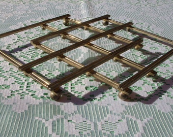 Vintage Folding Hot Pan Trivet Stand.   A French Concertinaing Hot Plate Trivet.
