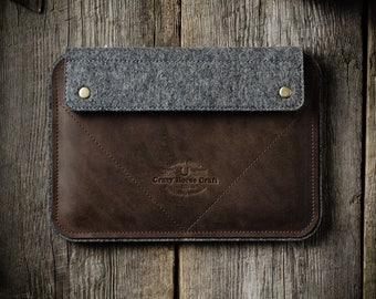 iPad pro / air 2 case. Leather stand cover brown with apple pencil holder. Crazy Horse leather, 100% wool felt. Vintage style. Ipad case.