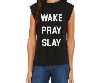 Wake pray slay cuffed tee