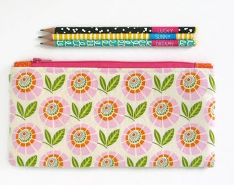 Handmade Fabric Zipper Pouch, Fabric Pencil Case, Make Up Bag, Cosmetics Bag, Floral Zip Pouch, Large Pencil Case, Passport Travel Pouch