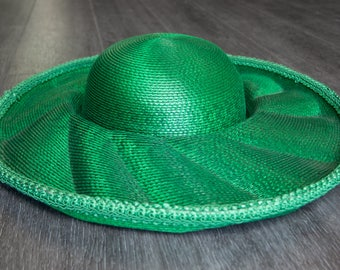 Vintage Green Straw Hat with Rhinestone Embellishment