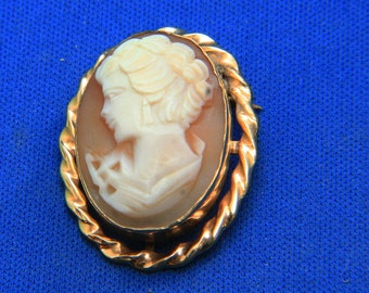 Vintage Gold Filled Shell Cameo Left Facing Pin Brooch