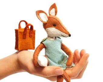 Charlotte fox kit, Felt Animal Craft Kit - Fox Sewing Kit - hand-sewing, fox ornament, beginner sewing kit, DIY sewing, fantastic fox