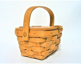 """Vintage American Wood Splint Basket with Lid by Longaberger - Signed / Dated 1988 - Made in USA Woven Shaker Style Container Storage 7.5""""x4"""""""