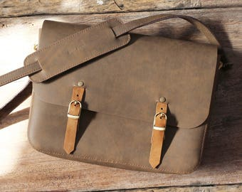Messenger bag, Crossbody bag