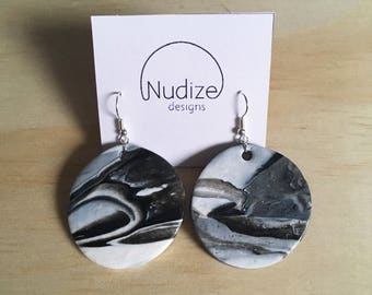 "Handmade statement dangle earrings // gifts for her // ""Monochrome addiction"""