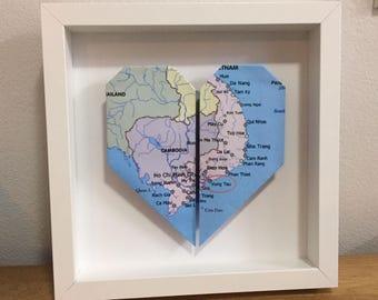 Framed heart origami, Wedding anniversary gift, first anniversary gift, location wedding, heart origami map, world map, paper anniversary