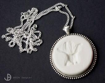 Chain Flower, porcelain matt, 76 cm silver 925/version antique Silver