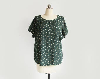 vintage forest green and cream floral print top / 90s short sleeve rayon shirt / womens L