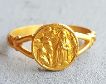 Vintage French Our Lady of Lourdes Blessed Mother Mary Child Ring Size US 3.50 Ring Baptism Gift Communion Gift Blessed Virgin Mary
