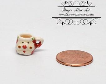 1:12 Dollhouse Miniature Christmas Santa Mug BD B330