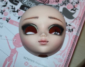 Custom Doll Pullip or  Taeyang   to  your   wish
