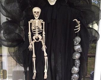 Skeleton Wreath, Halloween Wreath, Scary Wreath, Front door decor, home decor