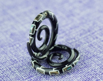 """Fake Gauge Earrings, """"Patterned Spiral (MOP)"""" Horn, Naturally Organic, Hand Carved, Tribal"""