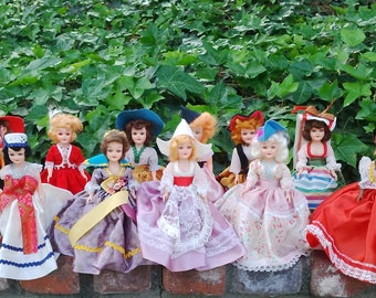 "Vintage 1940s-1950s Set of 16 ""Dolls of all Countries"" made by Admiration Doll Co., Collectible Dolls, Instant Doll Collection"