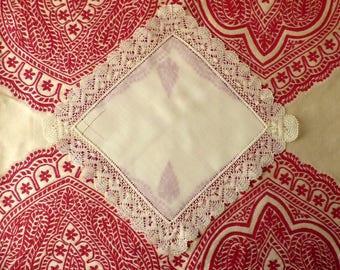 Traditional bobbin lace handkerchief - bobbin lace - Shabby chic - linen lace hankie - lace hankie - antique handkerchief - French lace -