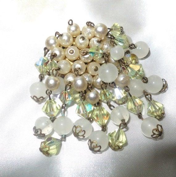 Lovely vintage goldtone glass pearl crystal cluster waterfall brooch