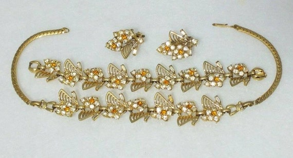 Lovely vintage 1950s goldtone amber clear rhinestone parure set of necklace bracelet and earrings