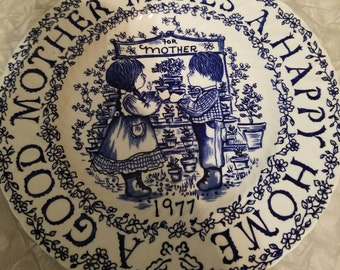 Royal Crownford A Good Mother Makes A Happy Home by Norma Sherman ~ Staffordshire England