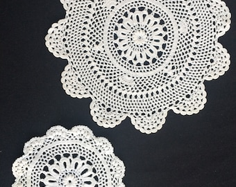 A Pair of White Round  Vintage Crocheted Lace Doilies.  RBT1328