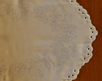 Stamped Kalocsa doily pattern, Folk art for hand embroidery