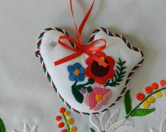Bird ornament, Embroidered ornament, handmade hanging, Kalocsa embroidery bird. Hungarian folk art,