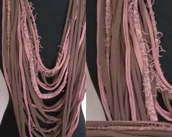Tshirt Scarf in beautiful shades of powder: old pink and taupe