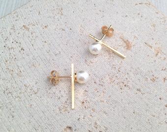Pearl Bar Earring,Gold Bar Stud Earring,Pearl Bar Stud Earring,Pearl Stud Earring,Pearl Gold Geo Earring,Pearl Earring,Gold Bar Studs
