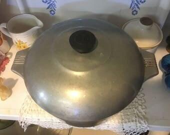Wagner Ware 5qt Aluminum Dutch Oven