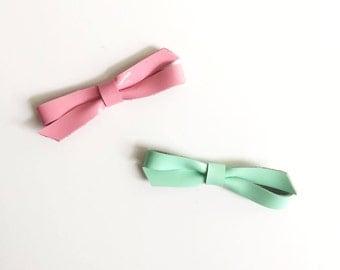 Bow hair clips - Leather bow - Hair clip - Baby hair clip - Girls accessories - Hair accessories