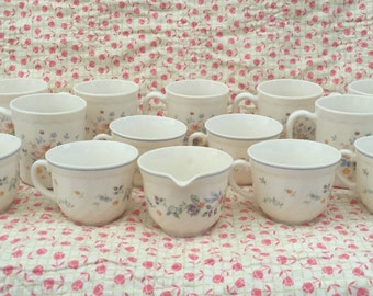 14 Piece Lot of Arcoroc Drinkware VICTORIA Pattern Floral on Beige Milk Glass 7 Mugs 6 Teacups, 1 Creamer - Luminarc