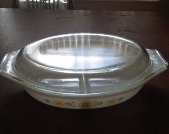 Vintage Pyrex Town And Country 1 1/2 Qt Oval Divided Lidded Casserole Pan