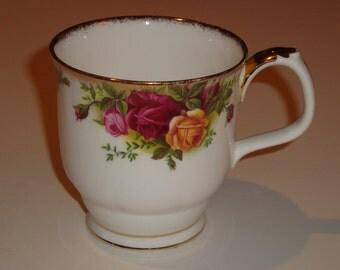 Royal Albert OLD COUNTRY ROSES Mug - Montrose Shape