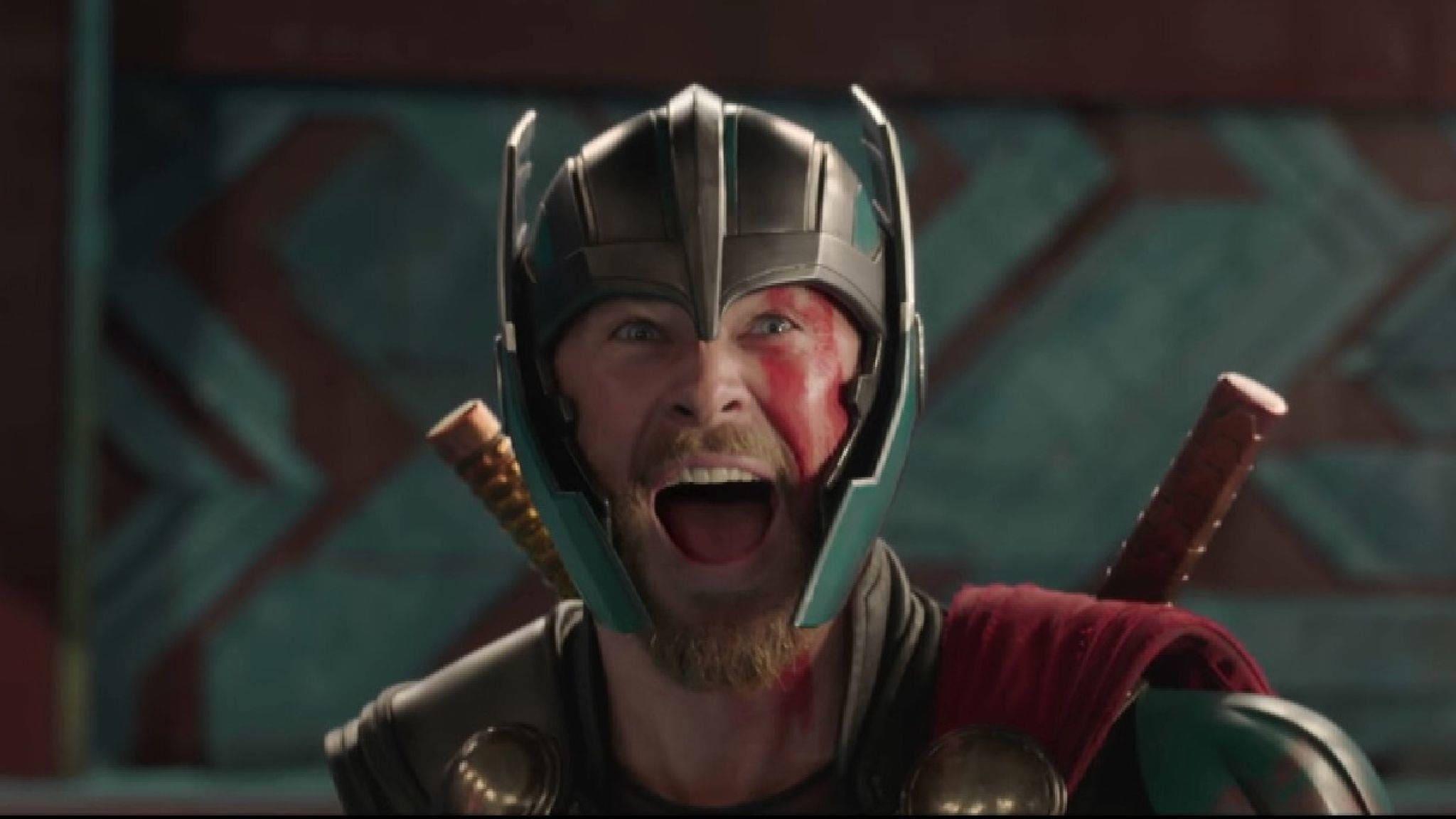 White apron ragnarok - Pre Order Thor 3 Ragnarok Battle Helmet For Cosplay Marvel