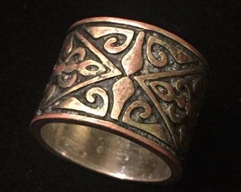 Vintage Renissance Style Intricate Brass Ring size 9.5