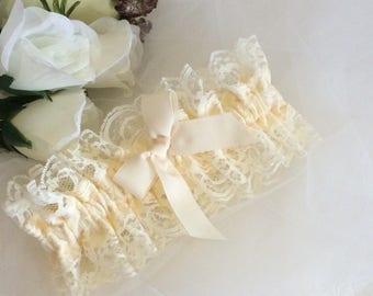 Ivory Lace Bridal Garter, Cream  Satin Garter, Boho Vintage Garter, Lace Bridal Garter, Wedding Garter, Satin Garter, Bridal Lingerie