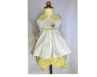 Boutique Girls / Baby Bumble Bee Smocked Short Set